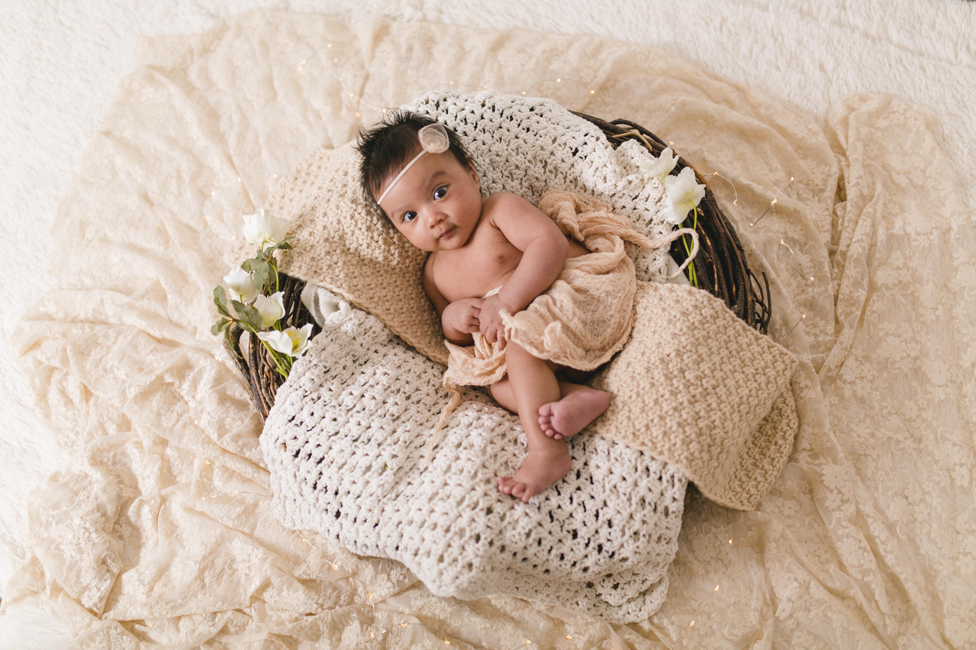 Babyfotos Eggenfelden - die entzückende Nora - 50 Tage alt (2)