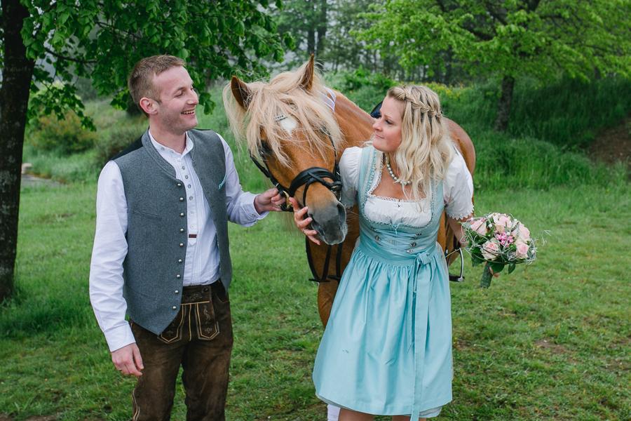 Standesamtliche-Hochzeit-Reportage-mit-Simone-Bauer-Hochzeitsfotografin
