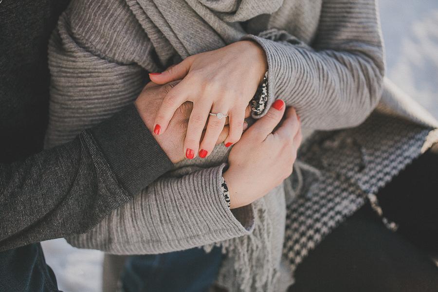 Engagement-Shooting-im-Winterwald-Hochzeitsfotografie-Simone-Bauer