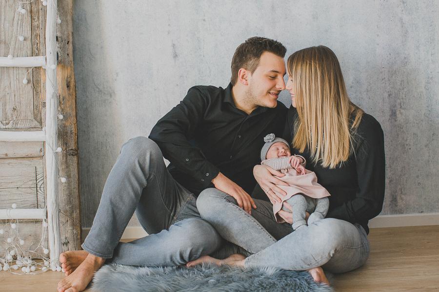 Fotografie-Hauzenberg-Neugeborenen-Familien-Fotos
