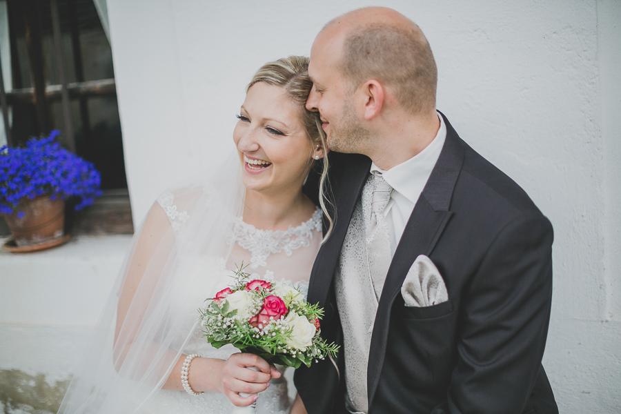 Simon-liebt-Sonja-Hochzeitsfotografie-Simone- Bauer-Photography-Hochzeitsbilder-Museumsdorf-Tittling